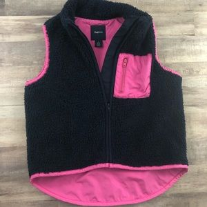 Size small 6/7 GAP navy fleece and pink vest